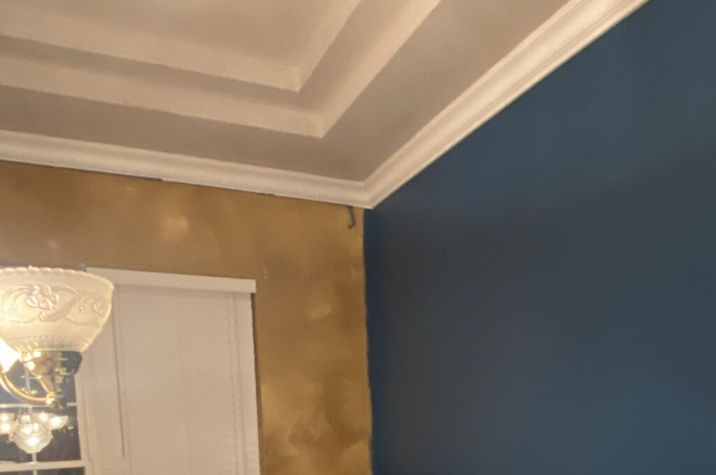 Wall paint, dining room paint, dining room renovations, color of the year, ppg paints, Chinese Porcelain